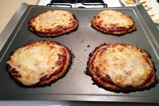 finished cauliflower crust pizza2
