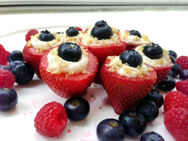 finished red white and blue cheesecake strawberries3